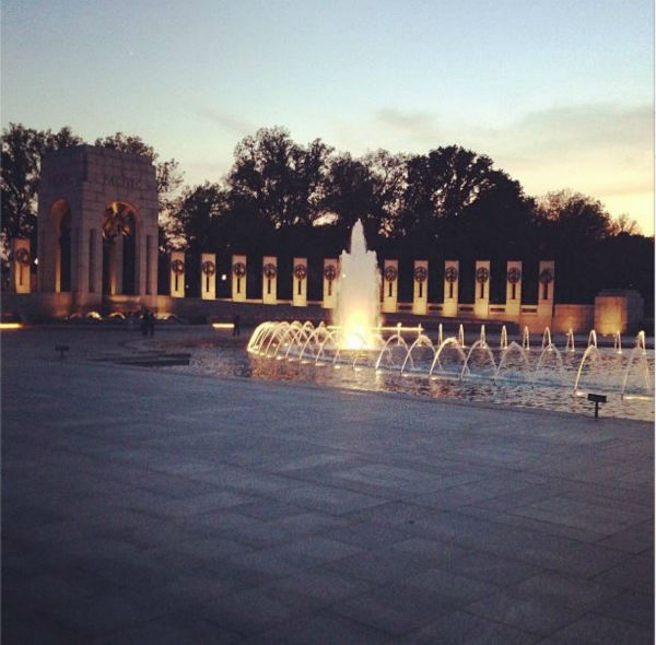 Sunset over the WW2 Memorial.  <span class=meta>(KFSN Photo&#47; Kirk, Benjamin)</span>