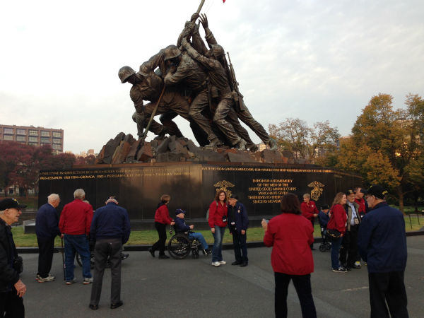 "<div class=""meta ""><span class=""caption-text "">Valley Veterans at the Iwo Jima Marine Memorial (Warren Armstrong)</span></div>"