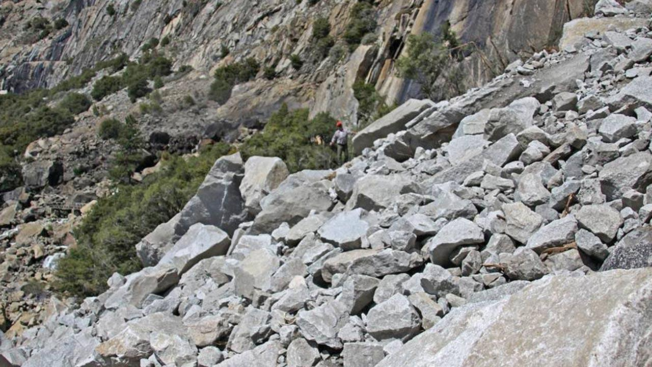 Yosemite rockfall forces hiking trail closure