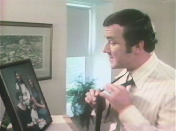Angelo Stalis sings &#34;You are the sunshine of my life&#34; in an early ABC30 promo <span class=meta>(KFSN Photo&#47; ABC30)</span>