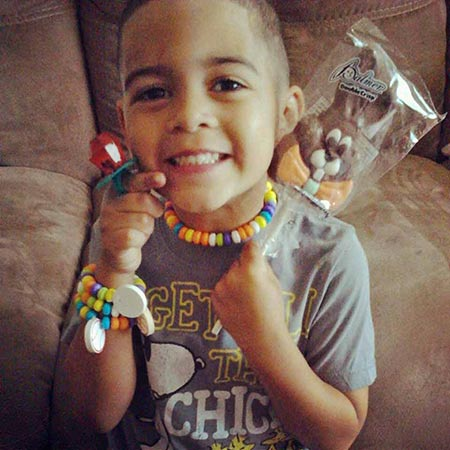 "<div class=""meta ""><span class=""caption-text "">Denise Tavarez's son wears some of his Easter candy. (Facebook / Denise Tavarez)</span></div>"