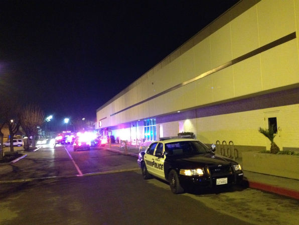 Authorities are on the scene of a shooting inside the Visalia Mall that occurred around 7 p.m.  <span class=meta>(KFSN Photo&#47; abc30 | uReport@kfsn.com)</span>