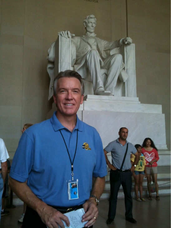 "<div class=""meta ""><span class=""caption-text "">Warren at Lincoln Memorial. (KFSN Photo/ ABC30)</span></div>"