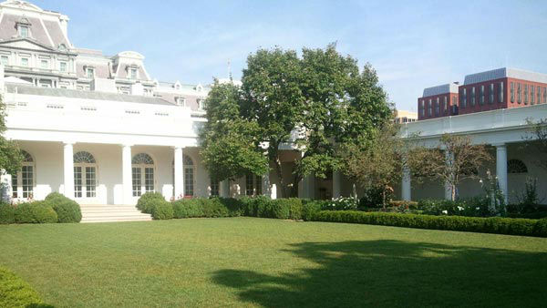 The White House Rose Garden <span class=meta>(KFSN Photo&#47; Marquese Brown)</span>