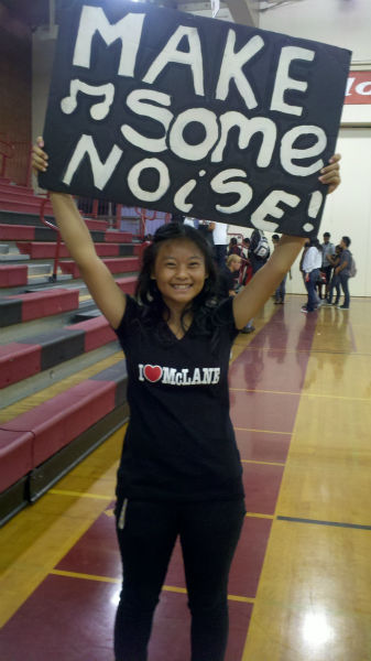 ASB President Juliana Cha - Highlander Football Fan <span class=meta>(KFSN Photo&#47; Linda Mumma)</span>