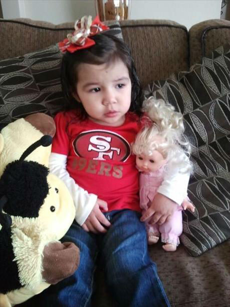 "<div class=""meta image-caption""><div class=""origin-logo origin-image ""><span></span></div><span class=""caption-text"">San Francisco 49er fans show off their team spirit as the niners face off against the NY Giants. (KFSN Photo/ uReport)</span></div>"