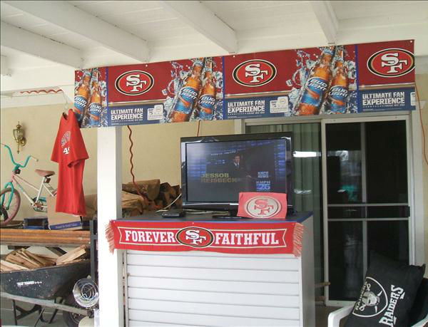 "<div class=""meta ""><span class=""caption-text "">GO NINERS LETS WIN AND GO TO THE SUPERBOWL...................................... John and Cindy Diaz   (KFSN Photo/ uReport)</span></div>"