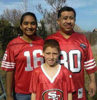 Andrade Family - Go Niners <span class=meta>(KFSN Photo&#47; uReport)</span>