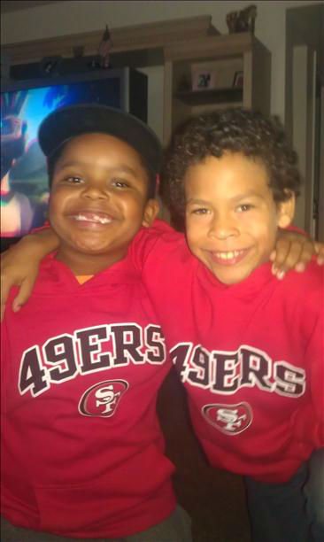 Representing niners for their daddy .R.I.P <span class=meta>(KFSN Photo&#47; uReport - celesteshantel)</span>