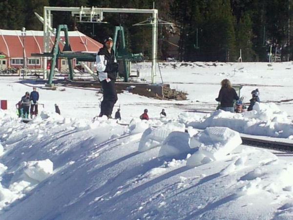 New &#34;Magic Carpet&#34; feature at China Peak carries beginners to the top of the bunny slope. <span class=meta>(KFSN Photo&#47; Linda Mumma)</span>