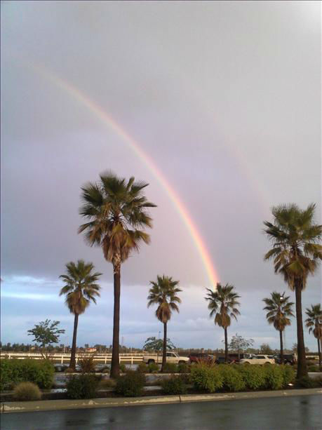 Rainbow 4&#47;11&#47;12 <span class=meta>(KFSN Photo&#47; uReport)</span>