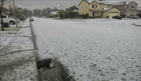 Heavy hail in the Atwater Area. <span class=meta>(KFSN Photo&#47; uReport)</span>