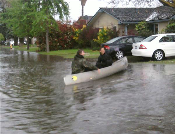Canoe on Shafer Road in Atwater <span class=meta>(KFSN Photo&#47; uReport)</span>