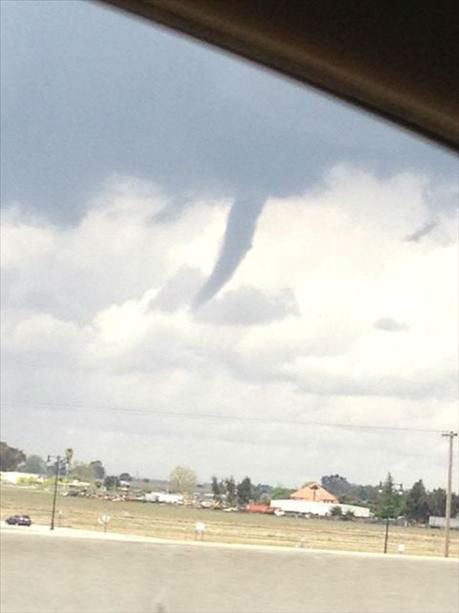 Funnel cloud - taken Wednesday on I5 near Stockton&#47;Manteca <span class=meta>(KFSN Photo&#47; uReport)</span>