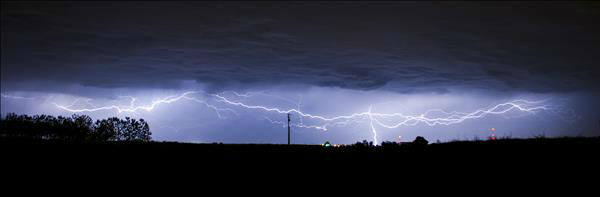 Strikingly Beautiful 03&#47;30&#47;13 storm.  Taken near Selma Ca. <span class=meta>(KFSN Photo&#47; uReport - Chris Pena)</span>