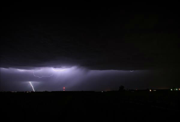 "<div class=""meta ""><span class=""caption-text "">Lightning Show 3/30/13. Shots of the lightning from the storm. (KFSN Photo/ uReport - ipete)</span></div>"