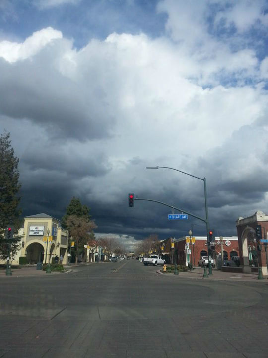 Downtown Tulare at 11:00am on Friday <span class=meta>(KFSN Photo&#47; Facebook &#47; Tracey Rios)</span>
