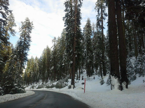 Hwy 168 towards Huntington Lake. Lots of snow:&#41; <span class=meta>(KFSN Photo&#47; Facebook &#47; Samira Avalos Saleh)</span>