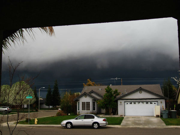 Visalia right before storm hit!!! <span class=meta>(KFSN Photo&#47; Facebook &#47; Tiffany Williams Bolding)</span>