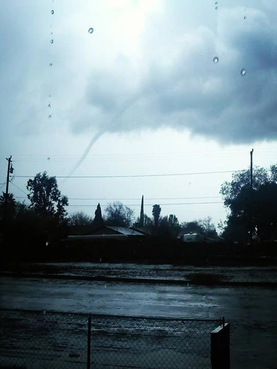 Funnel cloud in Dos Palos <span class=meta>(Facebook &#47; David Hernandez)</span>