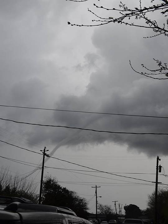 Funnel cloud in Dos Palos <span class=meta>(Facebook &#47; Jessica Vause)</span>
