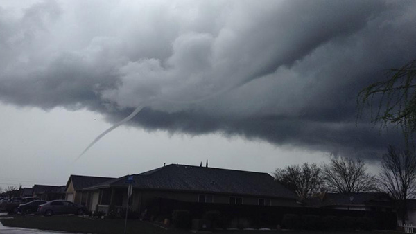Funnel cloud in Dos Palos <span class=meta>(Facebook &#47; Tess Langley)</span>