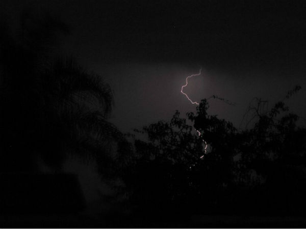 Lightening in Visalia Ca!!!! <span class=meta>(KFSN Photo&#47; Facebook &#47; Tiffany Williams Bolding)</span>
