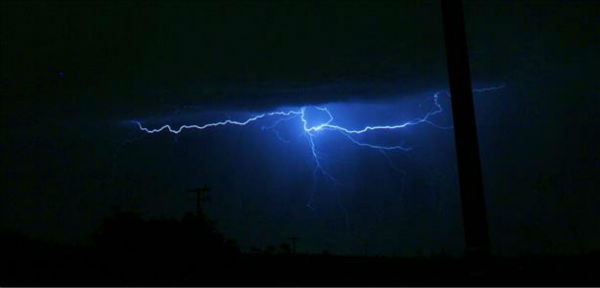 2013-08-19 Lightning Storm <span class=meta>(KFSN Photo&#47; uReport)</span>