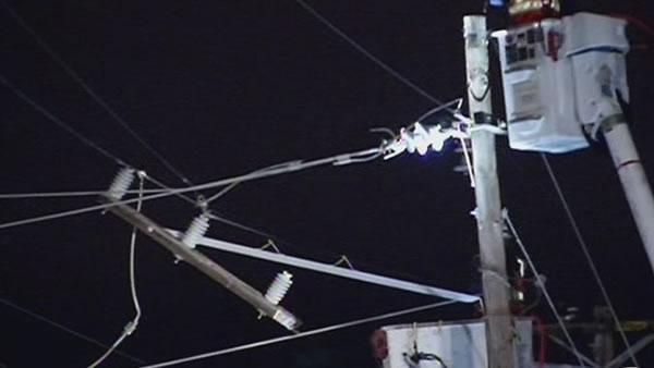 Power lines disrupt San Mateo Caltrain station