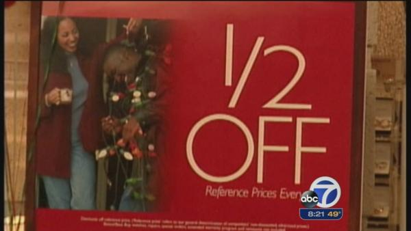 Some stores offering last minute holiday deals