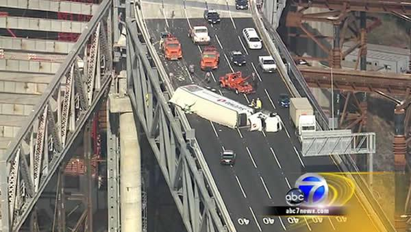 All lanes reopened on Bay Bridge