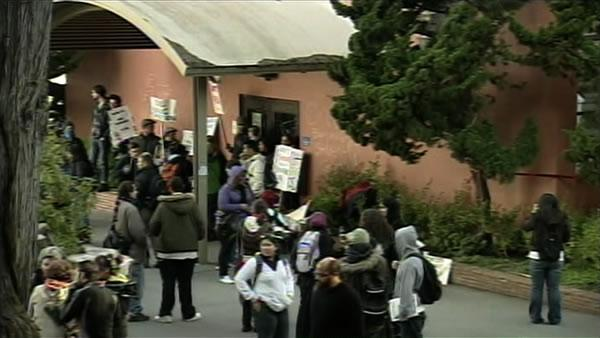 Protestors occupy building on SFSU campus