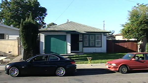 Oakland to pay settlement for illegal search warrants