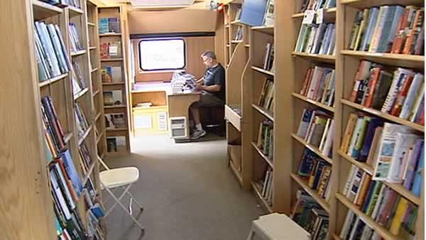 Man reinvents bookstore by putting it on wheels