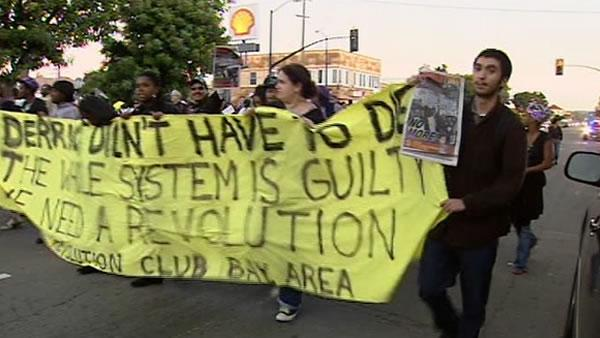 Protesters take to Oakland streets again