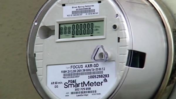 PG&E OKs letting customers opt out of SmartMeters