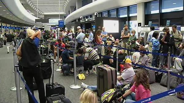 Computer system shutdown left 3,000 waiting at SFO