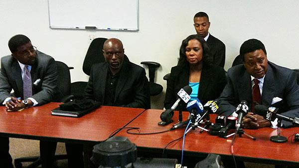 Oscar Grant's mother accepts $1.3M settlement