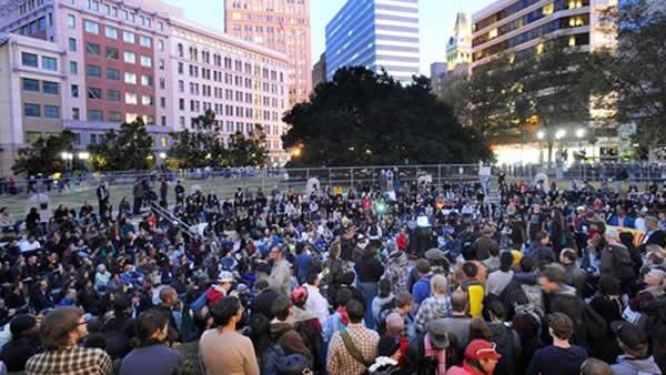 Several hundred Occupy Oakland protesters gather on Wednesday