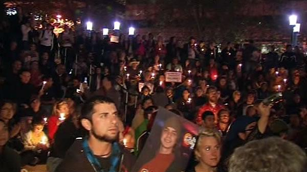 'Occupy Oakland' holds vigil for Scott Olsen