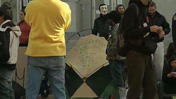 Occupy Cal calm, but poised for showdown