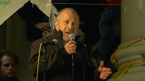 Robert Reich speaks at Occupy Cal