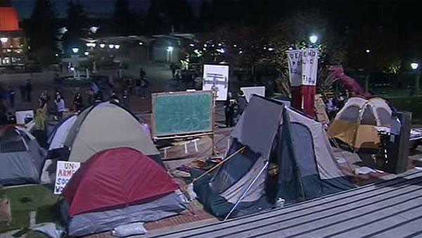 Occupy Cal slowly growing again