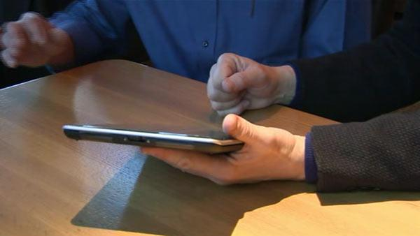 Responsive touch: A tablet that touches back