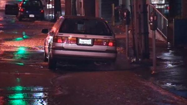 Crews work overnight to repair Berkeley water main