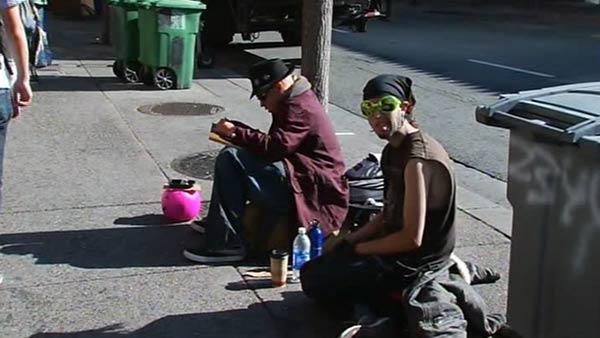 Berkeley mayor wants to ban sitting on sidewalks