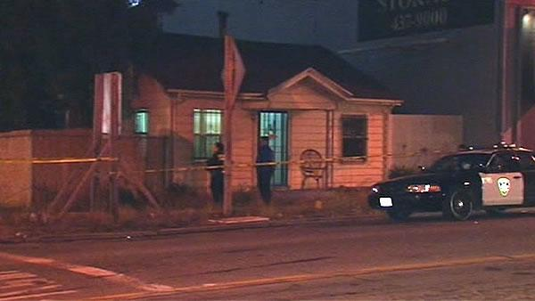 Wounded suspect returns to scene of Oakland standoff
