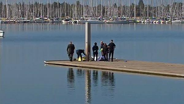 Weighted-down body found in Oakland Estuary