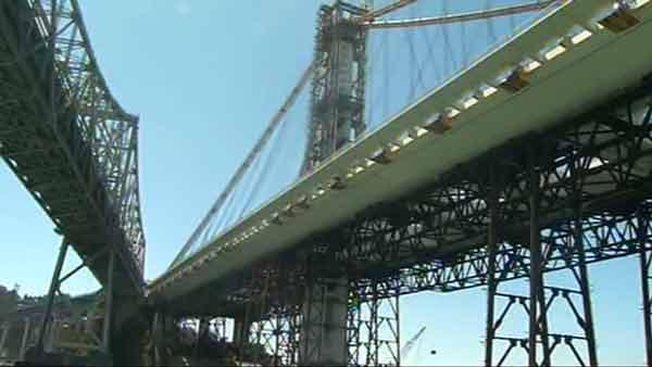 Heavy lifting on Bay Bridge begins
