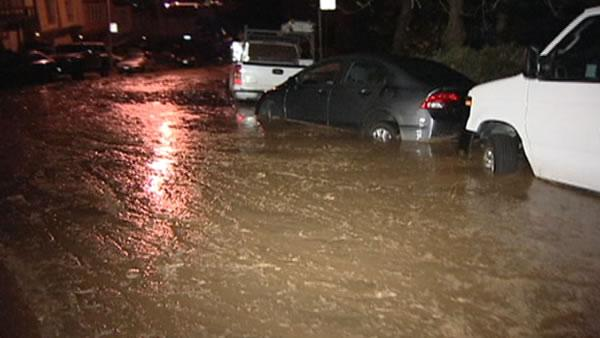 Daly City residents fear rain after flood